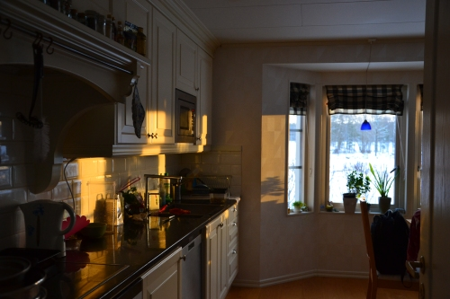 in de keuken.....