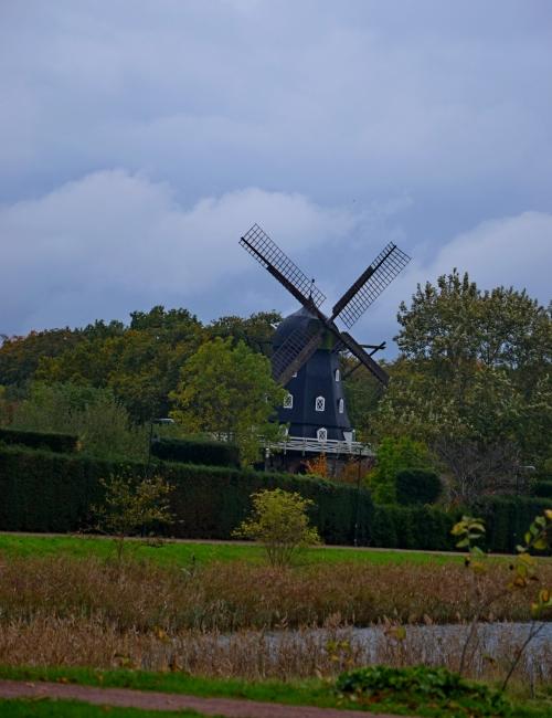 Er stond zelfs een molen! tot 1700 was Zuid-Zweden Deens, vandaar waarschijnlijk...